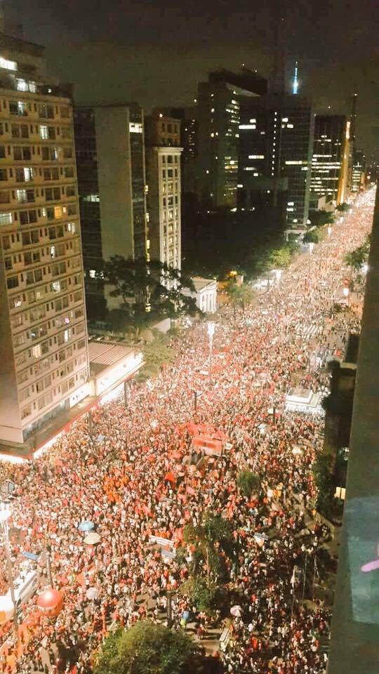 Manifestantes saíram às ruas no 18 de março contra o golpe