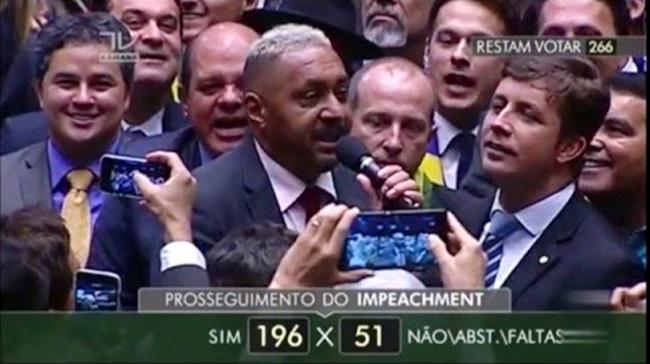 tiririca impeachment circo palhaço repúdio