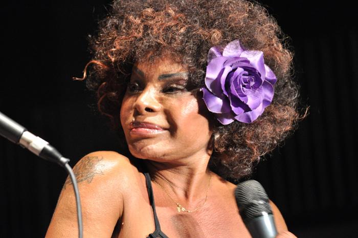 Elza Soares racismo boicote