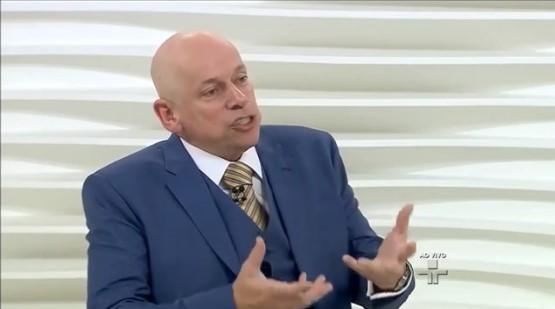 Leandro Karnal escola sem partido