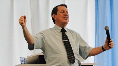Pastor R.R. Soares passaporte diplomático