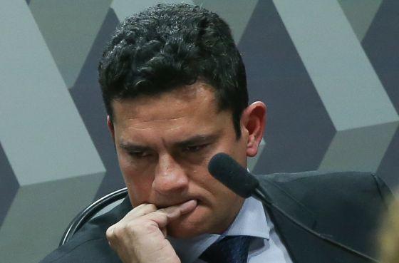 Resultado de imagem para Fotos do juiz Sergio Moro desesperado