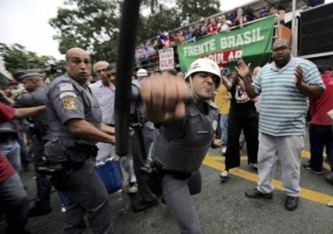pm ambulante agride repórter