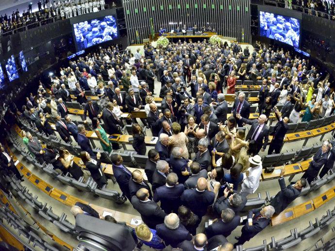 partidos políticos que podem ser extintos no Brasil cláusula barreira