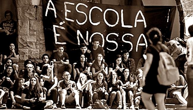globo mídia criminaliza ocupação escolas estudantes