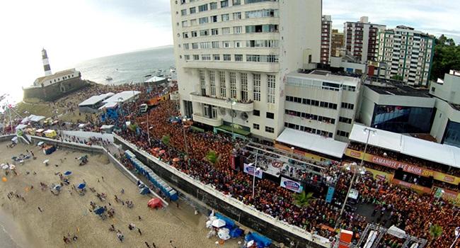 política carnaval esconder a Salvador verdade problemas acm neto