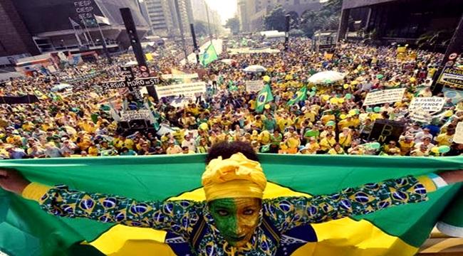 erros elite brasileira suicida classe média darcy ribeiro
