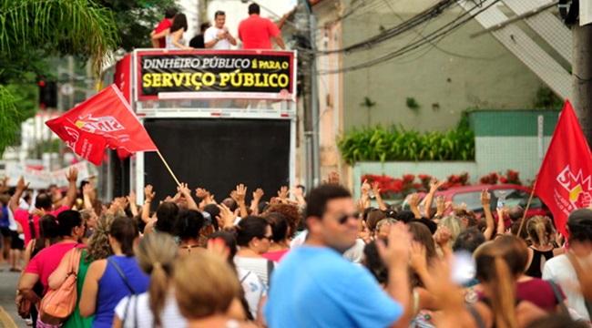 greve Florianópolis servidor público mídia silêncio pmdb