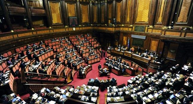bolsa família aprovado itália assistência pobreza
