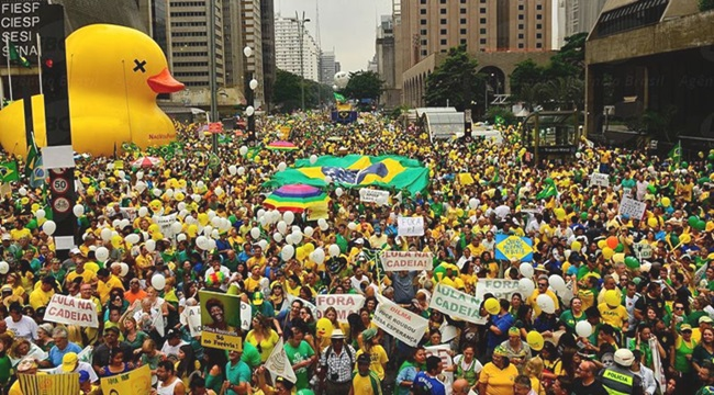 crença do incrédulo manifestações protestos corrupção