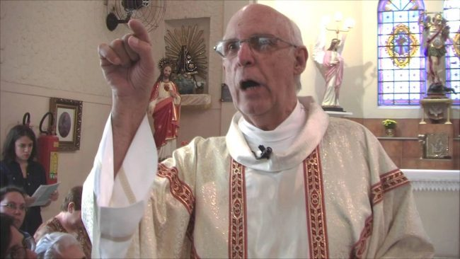 Padre Julio Lancellotti bolsonaro homofobia