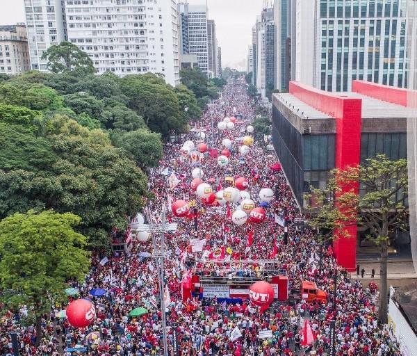 avenida paulista protesto parar o Brasil