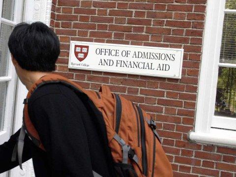 Harvard alunos calouros mensagens chocantes