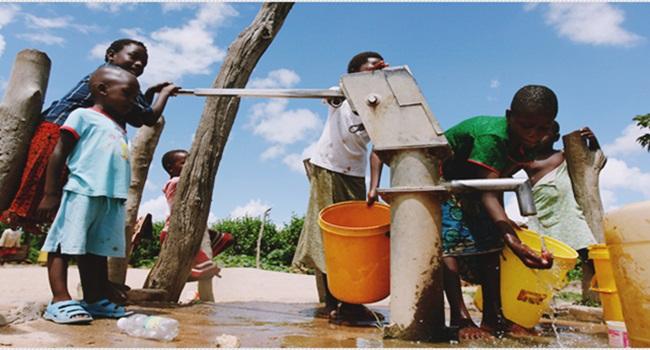bilhões pessoas escassez água 2025
