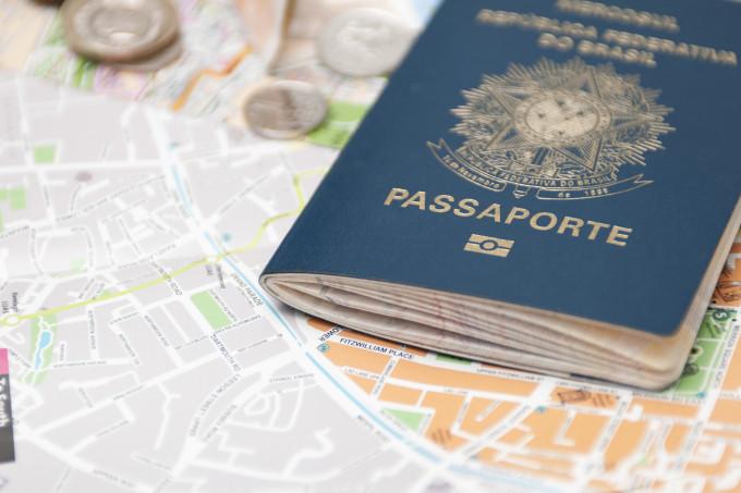 suspensão de novos passaportes