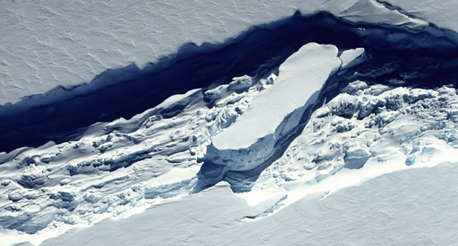 iceberg Larsen antártica deriva deslocou