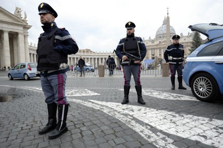 orgia gay vaticano drogas