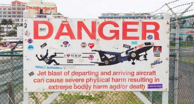 praia Maho aeroporto caribe morte tragédia