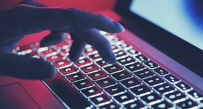 ataque hackers hbo pior vazamento sony lavagem de dinheiro eua