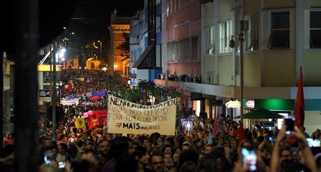 mulheres marcha histórica florianopolis câmara temer