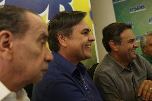 caciques-tucanos-reclamam-de-ativismo-judicial-do-stf-aecio