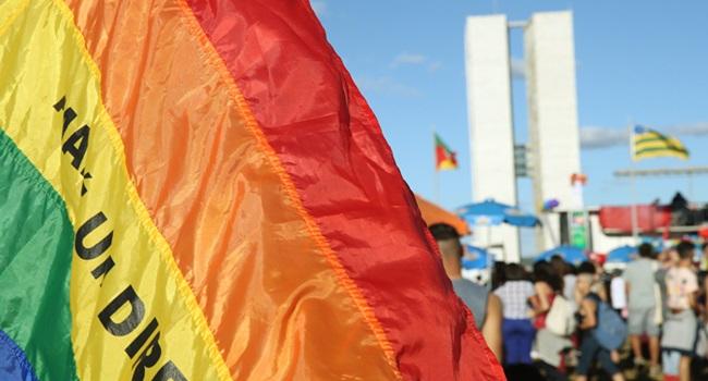 juiz libera cura gay conselho psicologia perplexidade revolta homofobia