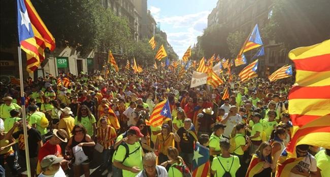entender referendo catalunha espanha barcelona greve geral