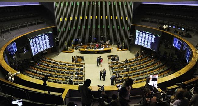 votação pode afastar temer cargo câmara deputados previsto hoje