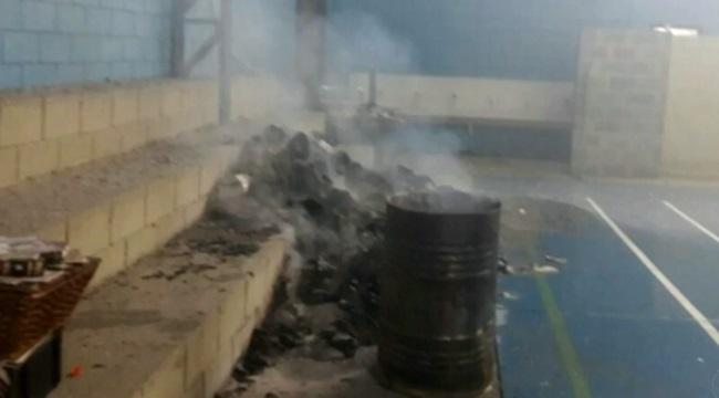 diretora vice queimam livros didáticos municipal são paulo crianças