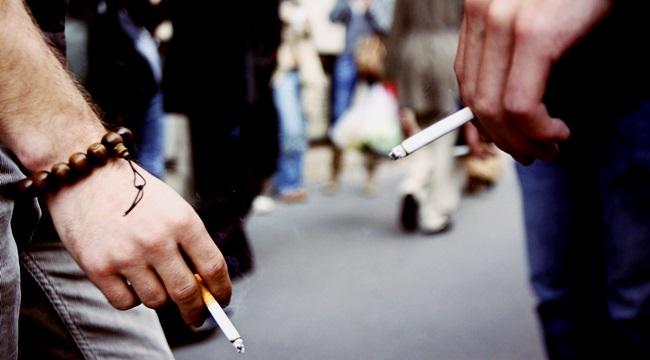 perseguição aos fumantes lixo respeito fumaça