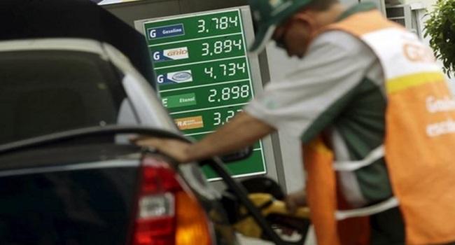 preço gasolina brasil aumenta 13 vez seguida governo temer economia