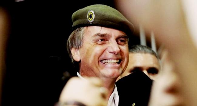 Bolsonaro critica intervenção militar rio de janeiro pretos pobres