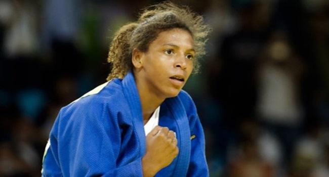 Campeã olímpica Rafaela Silva é alvo de racismo da PM no Rio