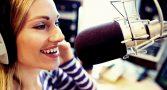 emissora-contratar-narradora-talentosa-foto-corpo