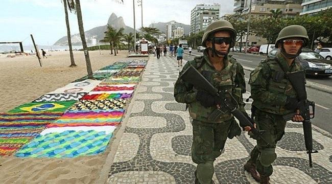 Intervenção militar no Rio brincar de guerra pobres pretos favelados