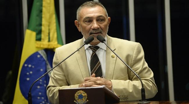Telmário Mota Senador pede desculpas a Dilma impeachment