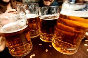 estudo-associa-consumo-de-cerveja-e-cafe-a-longevidade