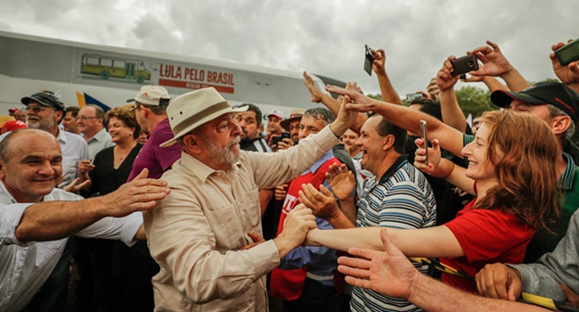 Governo Temer tiros contra ônibus de Lula inaceitável