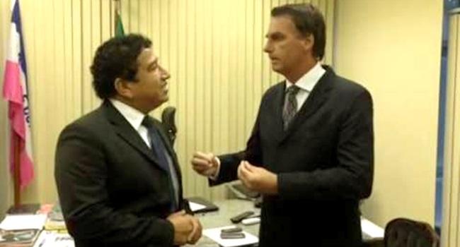 Resultado de imagem para Magno Malta e Bolsonaro