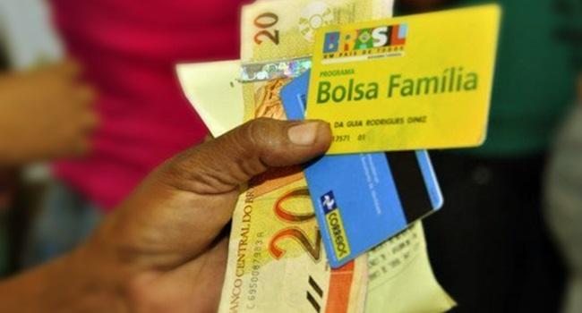 OCDE Bolsa Família gasto público que chega aos pobres