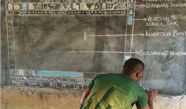 Professor dá aula de computação sem computadores microsoft