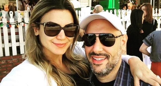 Servidora pública falta ao trabalho viajar o mundo com o marido