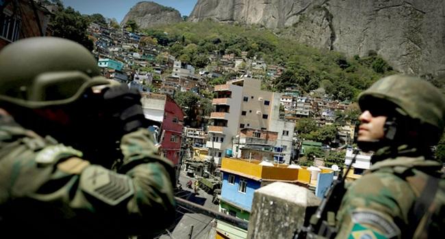 Chacinas e tiroteios aumentam meses de intervenção no Rio temer
