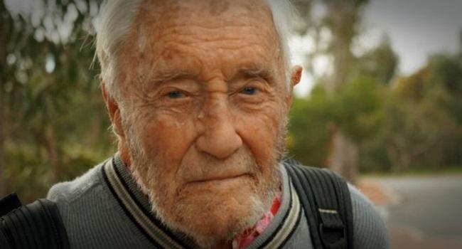 Cientista de 104 anos vai cair no sono e morrer em 1 minuto