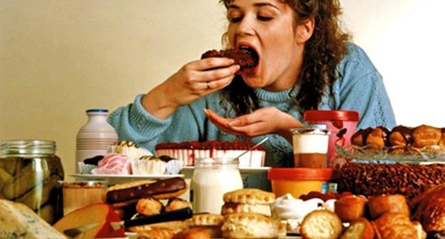 Consumo excessivo de fast food dificulta gravidez pesquisa
