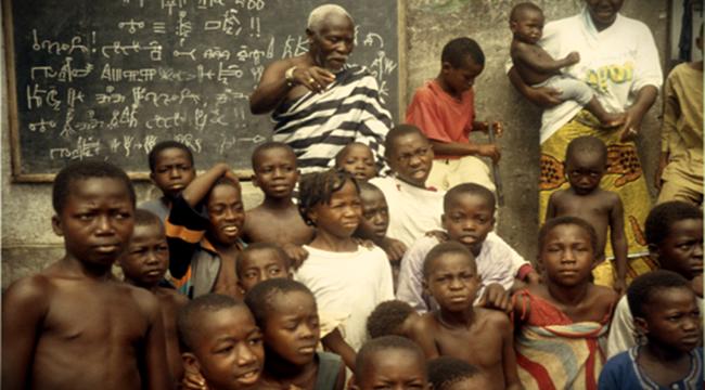 ESCREVIVÊNCIA À LUZ corpos estranhos em busca do existir negros racismo preconceito educação