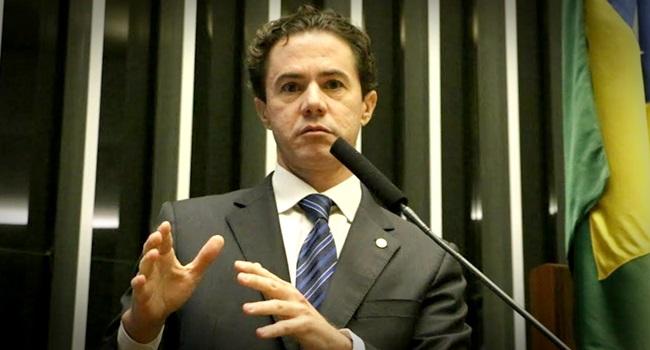 Deputado Veneziano é denunciado por desvio de recursos públicos