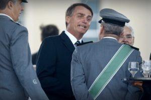 militares-se-inspiram-em-jair-bolsonaro-e-lancam-candidaturas1