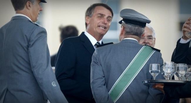 militares se inspiram em Jair Bolsonaro e lançam candidaturas