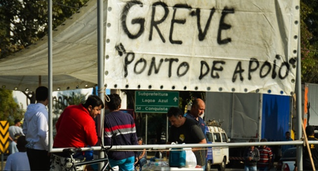 morro desceu carnaval não é locaute é greve